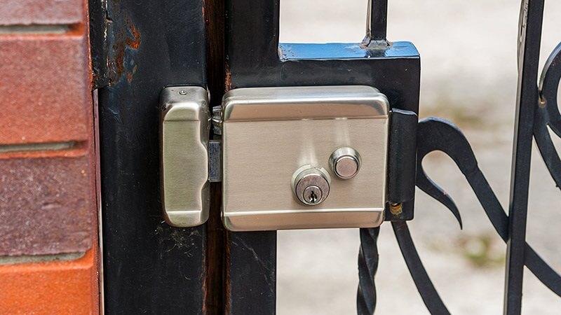 راهنمای خرید بهترین قفل برقی درب حیاط